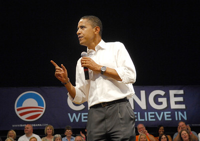 Photo Earl Neikirk/Bristol Herald Courier  Barack Obama talks about his plan to the country .