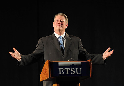 Photo Earl Neikirk/Bristol Herald Courier  Former Vice President Al Gore speaks to over 4000 in attendance at the 27th Annual Leading Voices in Public Health Lecture Series at ETSU on Thursday.  Here he responds to the crowd after being introduced.
