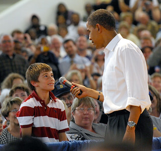 Photo Earl Neikirk/Bristol Herald Courier  Barack Obama talks with a young supporter, Payton Lawson,  who asked about high gas prices and how he would fix them.