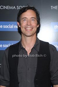 Tom Cavanagh photo by Rob Rich © 2010 robwayne1@aol.com 516-676-3939