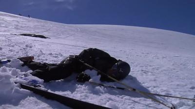 Behandling av skadd person på ski i høyfjellet