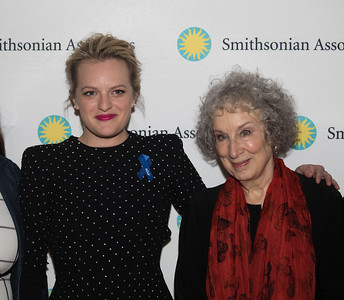 Elizabeth Moss, Margaret Atwood, The Handmaid's Tale preview