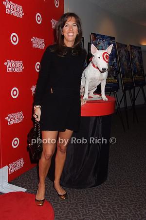 Liz Lange, Bullseye photo by Rob Rich © 2007 516-676-3939 robwayne1@aol.com