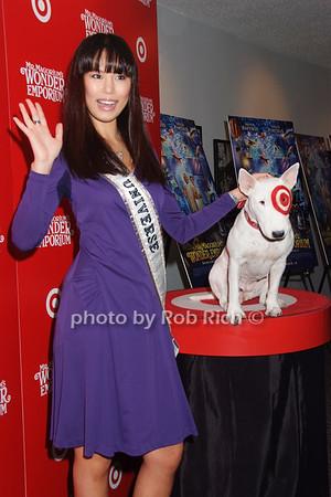 Miss Universe, Bullseye (Target Dog) photo by Rob Rich © 2007 516-676-3939 robwayne1@aol.com