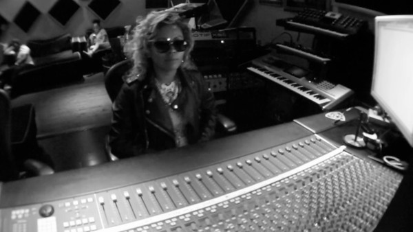 Inside Future Music Studios _ Honey Cocaine Recording 90's Gold Mixtape