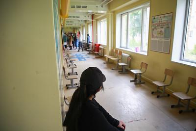 2021 оны зургадугаар сарын 17. Жирэмсэн-эмэгтэйчүүд-болон-16-17-насны-хүүхдүүдэд-Pfizer-вакцин-тарьж-байна.  ГЭРЭЛ ЗУРГИЙГ Д.ЗАНДАНБАТ/MPA