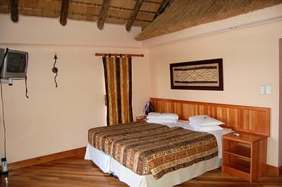 Chalet - Bedroom/Lounge (2)