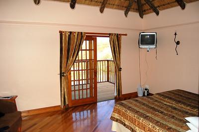 Chalet - Bedroom/Lounge (1)