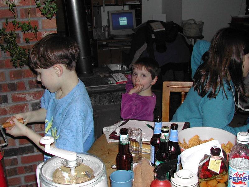 Greg, Clara, Hanna Lauterwasser<br /> Farnsworths, Vermont, 2003-02-22