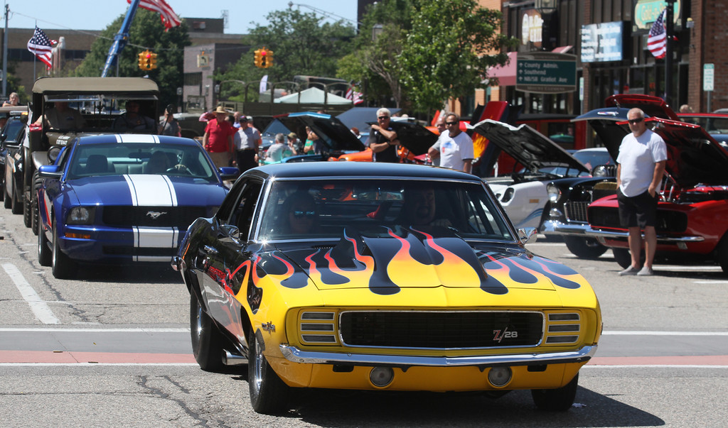 Photos Cars Stripes Classic Car Show In Downtown Mount Clemens
