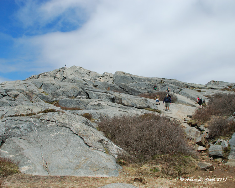 The White Dot Trail near the summit was pretty busy
