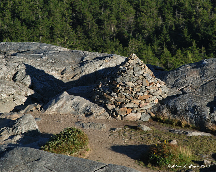 A large cairn along the White Dot/Cross Trail