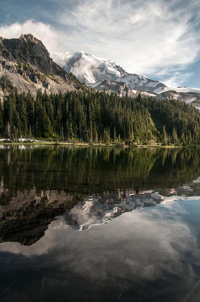 131 - MDW Mystic Lake view - Mt. Rainier backpack