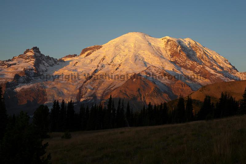 Mt Rainier Sunrise Autumn 100
