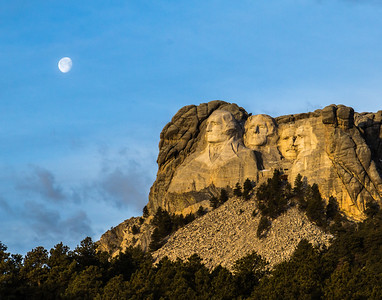 Mt. Rushmore early morning moon