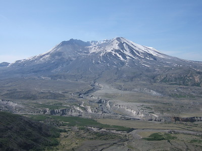 The trail starts at the Johnson Ridge Observatory with a fine view of Mt. St. Helens and the ash-choked Toutle River.