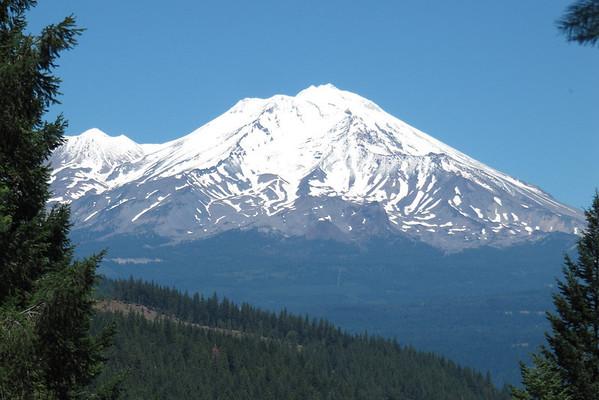 Mt. Shasta 2013 Climb to Fight Breast Cancer