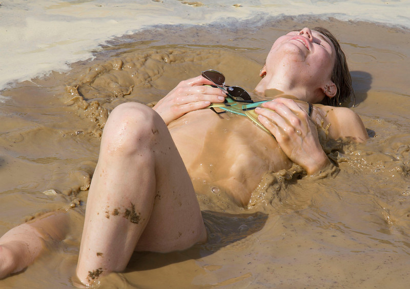 Mud Volleyball-4437x