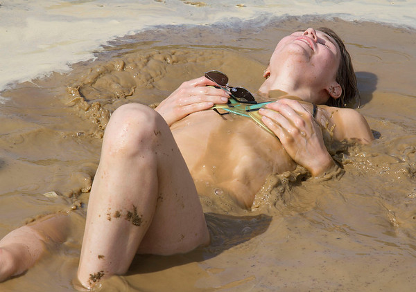Mud Volleyball-4437x