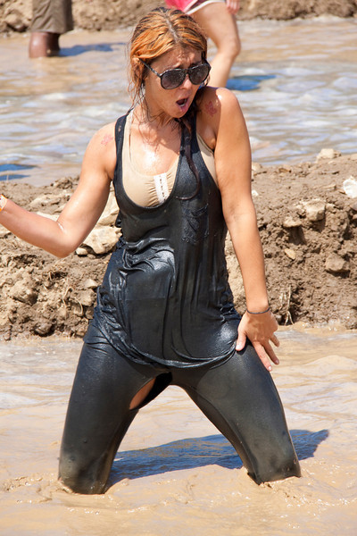 Mud Volleyball-9647a