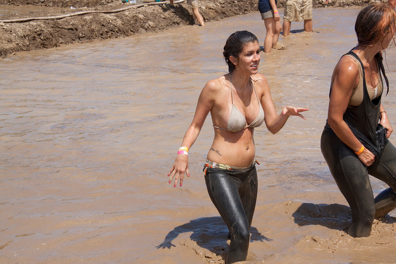Mud Volleyball-9679a