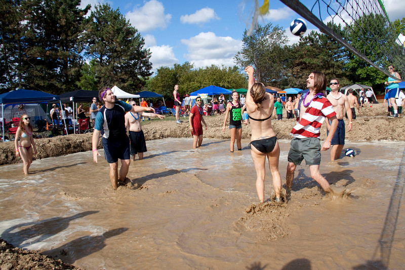 Mud Volleyball-9243a