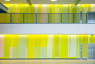 Ausschnitt über zwei Geschosse von der Eingangshalle aus. Foto: Burghard Müller-Dannhausen
