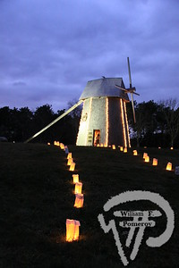 Holiday glowThe windmill at Drummer Boy Park is all lit up for the holidays.The lighting was part of the Brewster for the Holidays celebration last weekend. The Cape Codder DECEMBER 10, 2010front cover