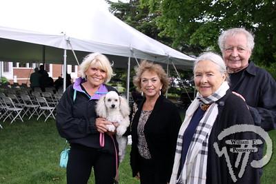 Sylvia, Maxi, Angela accompanied Jotta plus Dick.