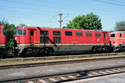 1) 2050 015 at Timelkam on 25th May 2005