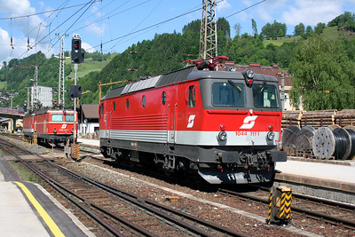 1044 111 at Schwarzach St Veit on 25th May 2005