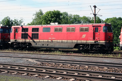 2) 2050 015 at Timelkam on 25th May 2005