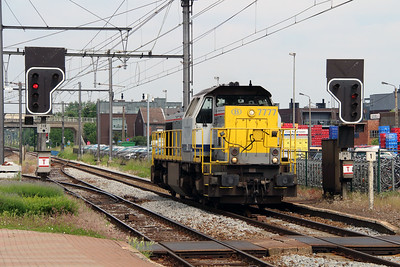 1) 7777 (92 88 0077 077-0 B-B) at Aarschot on 10th June 2013
