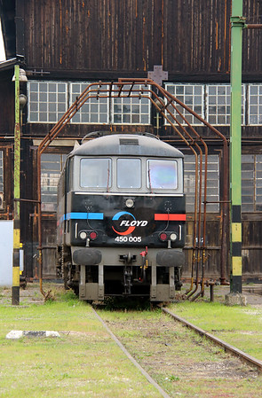 3) Floyd, 450 005 (91 55 0450 005-8 H-FLOYD ex UK 86215) at Budapest Keleti Floyd Depot on 7th October 2013