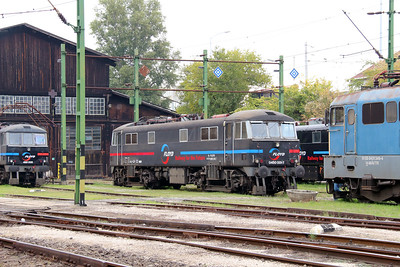5) Floyd, 450 001 (91 55 0450 001-7 H-FLOYD ex UK 86248) at Budapest Keleti Floyd Depot on 7th October 2013