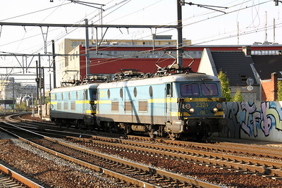 2324 at Antwerpen Berchem on 7th September 2009