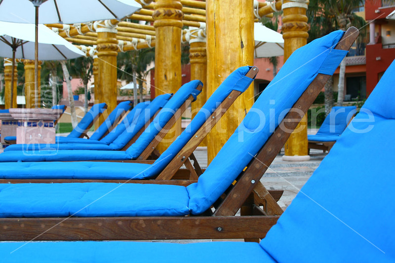 Blue Lounge Chairs Cabo web