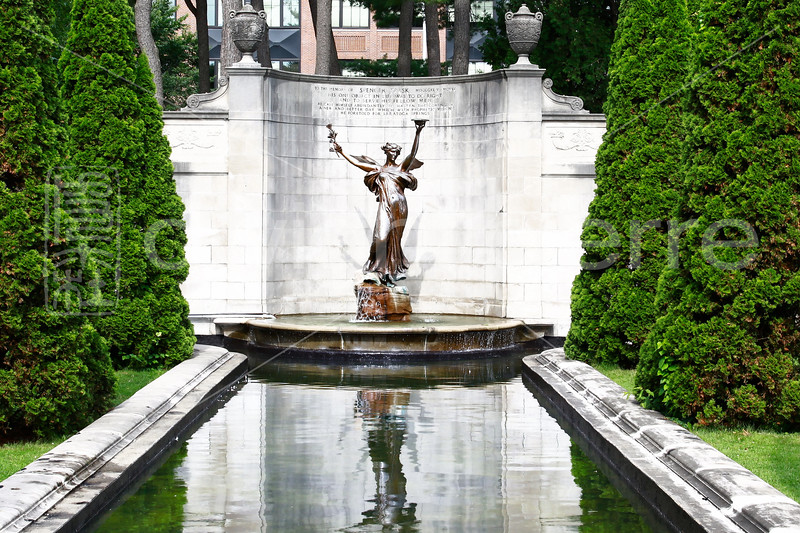 congress park statue
