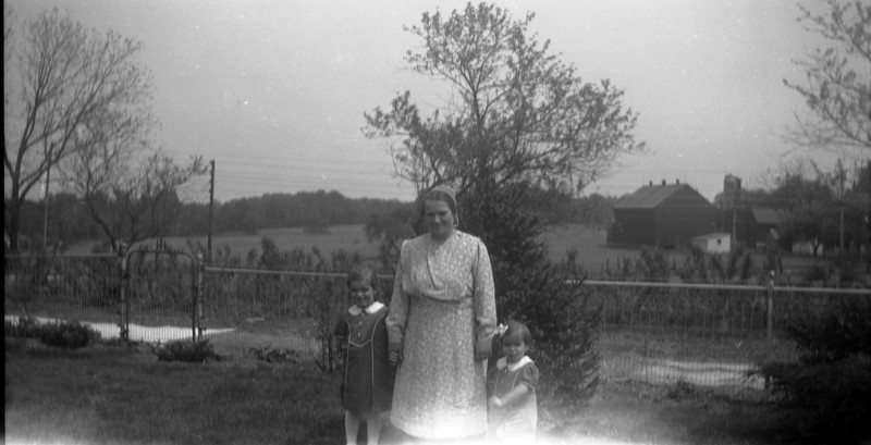 Mom, Grandma Neff and Aunt Mim in front yard of farm house.  @1943