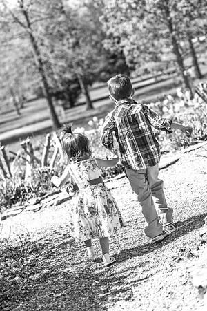 Max and Madison 4-2015-34b&w