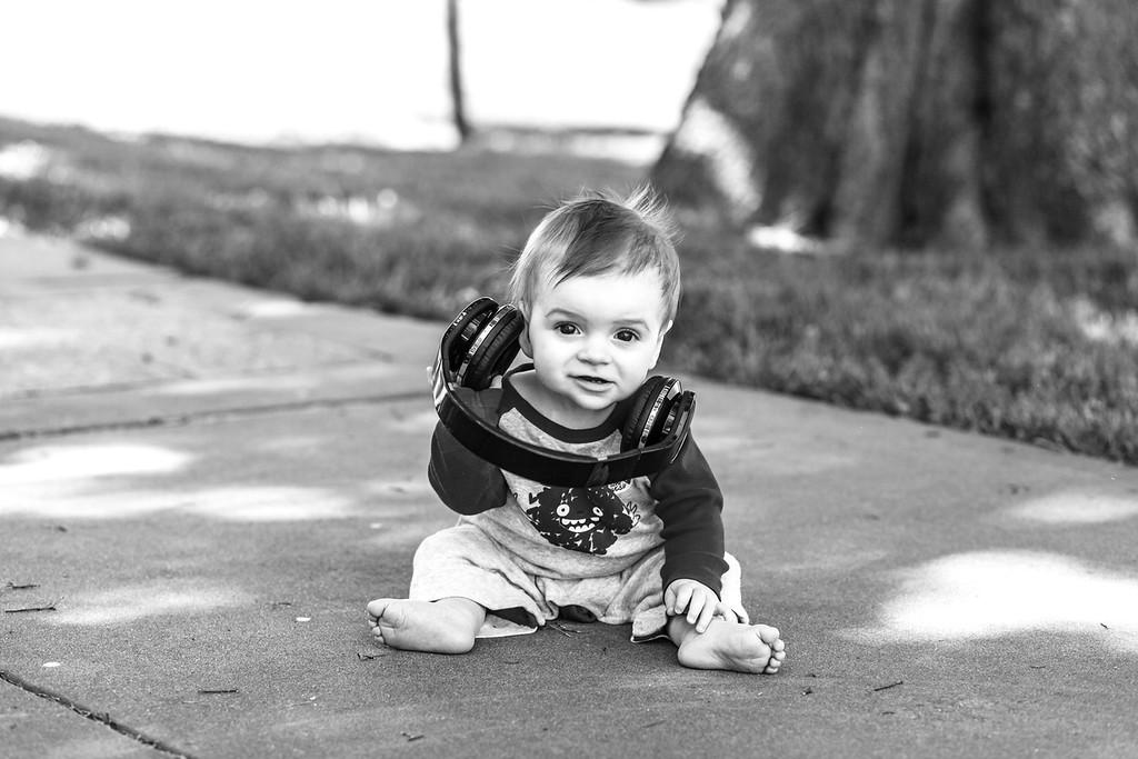 Elliot, 9 months-11b&w