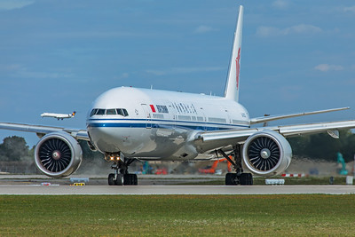 Air China Boeing 777-39L(ER) B-2033 9-12-19