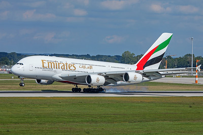 Emirates Airbus A380-861 A6-EDX 9-13-19
