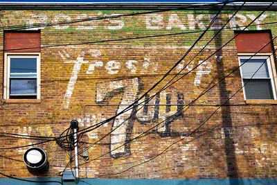 Bob's Bakery 7up Mural Morris MN_8574