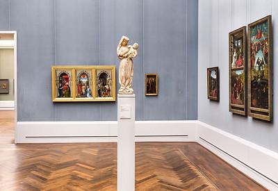 Muttergottes aus Burgund in Raum IV (Rogier, P. Christus, D. Bouts) [Gemäldegalerie Berlin]