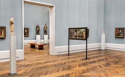 Muttergottes aus Burgund und Bischof von J. Morel in Raum IV (S. Marmion, Rogier) [Gemäldegalerie Berlin]