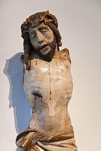 Umkreis Meister H.W.: Torso eines Kruzifixes mit ehemals schwenkbaren Armen; um 1500; Fassung orig.; aus Jakobikirche Chemnitz; Schlossbergmuseum Chemnitz