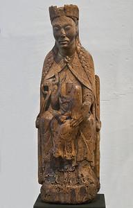 Otzdorfer Madonna; um 1160-1170; Laubholz; Reste der Fassung; aus Otzdorf bei Döbeln; Schlossbergmuseum Chemnitz