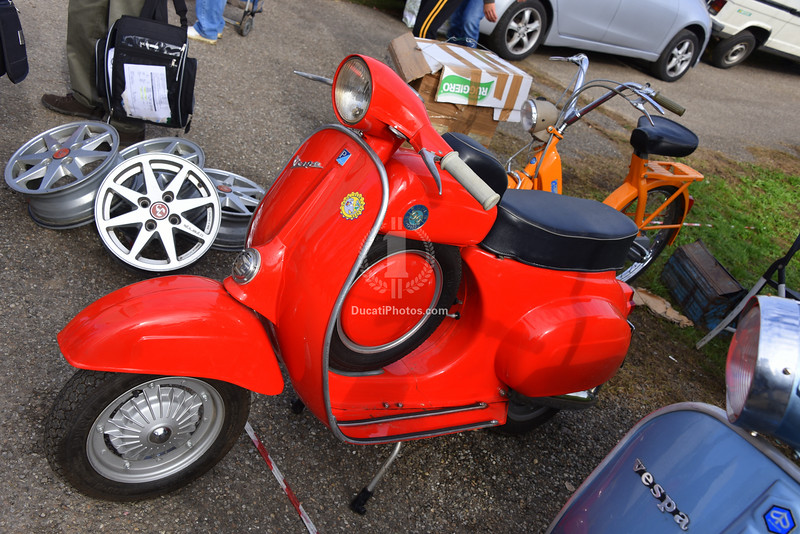 "I don't know about you but I'm a sucker for a ""dummy tank"" Vespa"