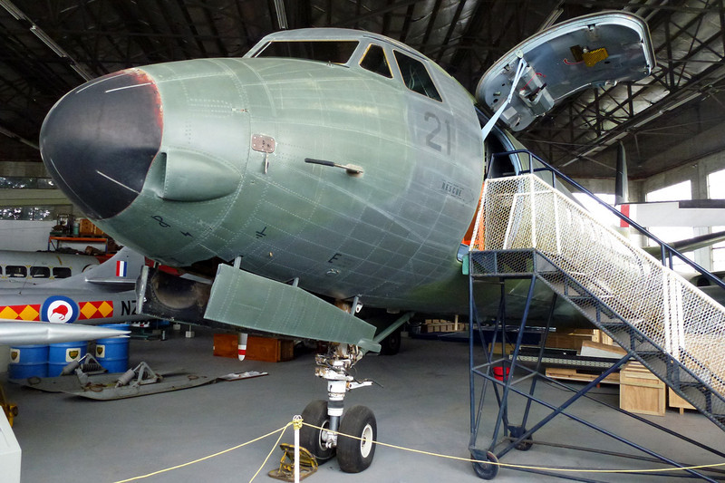 """NZ7621 (21) Avro Andover C.1 """"Royal New Zealand Air Force"""" c/n Set 07 Wigram/NZWG 12-04-12"""